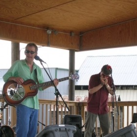 Bill Geezy and the Promise Breakers on stage at the MN Folk Festival