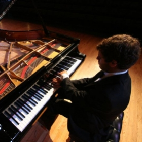A great picture from a solo concert!