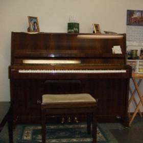 The center of my teaching universe -- THE STUDENT'S PIANO!!