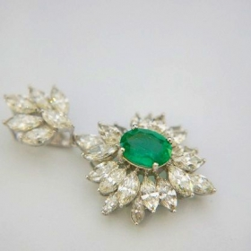 Emerald with marquise diamond pendant
