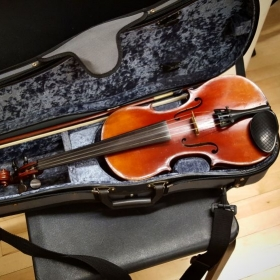 Beginner violin lessons for children and adults