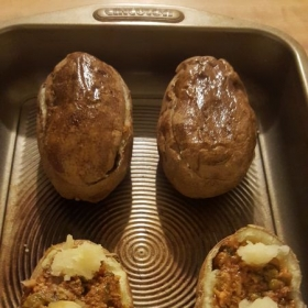 Mojy's style Meat-filled baked  Potatoes