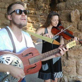 Modern Bygones performing in Barcelona
