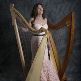 Profile_120874_pi_Zoe%20Vandermeer%2C%20Welsh%20and%20Celtic%20Harps