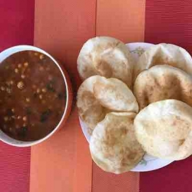 Chole Bhature ( chick peas curry)