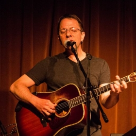 Live at Chicago's Uncommon Ground in 2016.