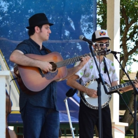 Max and Hot Pickin Bluegrass at the 30th Annual Grapefest Wine Festival 2016