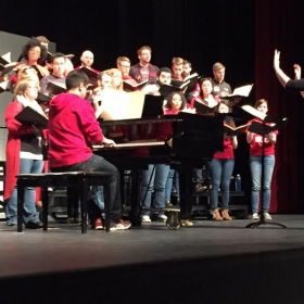 Conducting the Illinois State University Concert Choir while on tour!
