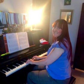 What a pleasure it is to teach adult students who want to make piano-playing happen amidst their busy lives.