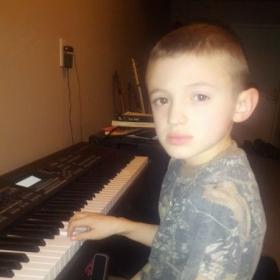 student pianist gage