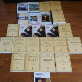 Huge collection of books from Alfred's Beginner piano books to Mozart/Beethoven sonatas to Chopin/Liszt etudes.
