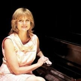 Suzanne is also an accomplished pianist and plays for all the lessons of her students and for their recitals.