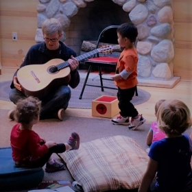 Guitar Outreach in the Fireside Room, Minnesota Children's Museum