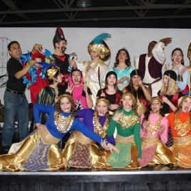Having fun with the cast of Aladdin, Jr. at Hollywood Kids Academy in Las Vegas, Nevada