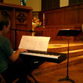 Playing a service for the San Mateo Congregational Church (11/2008)
