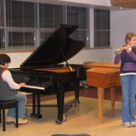 Students may accompany each other at quarterly recitals.