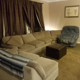 Relax in our comfortable waiting area equipped with Music Magazines, Wi-Fi, Cable TV and XBox.