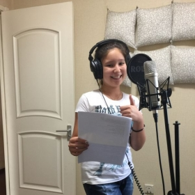 My student Liza is having her first mini recording session. We always smile!