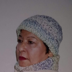 Multi color chunky hat and cowl