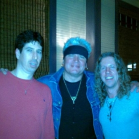 That's me with some rock n roll royalty. Pro Players all the way & nice guys as well.