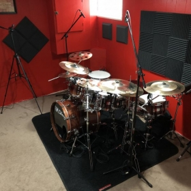 Excited about teaching many more online lessons in my new recording studio. Sign up for some amazing online lessons!
