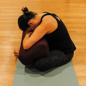 Yin Yoga: Butterfly pose, modification 1