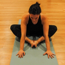 Yin Yoga: Butterfly pose, modification 2