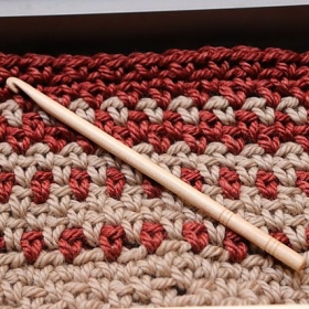 Emilia Cowl-Crocheting Techingue-using 2 colors and crocheting in the round.