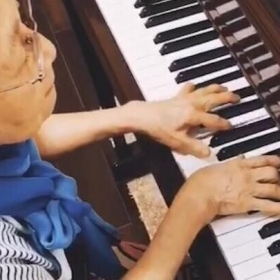 My 80th years old student is playing Beethoven!
