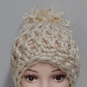Finger Crochet chunky Hat! Wow! Super fun, super easy, to make!. Only materials needed are a pair of scissors.