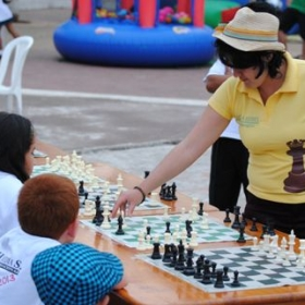 playing a chess simul