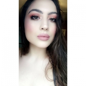 Lovely in pink makeup!