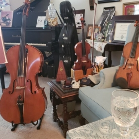 Carolyn Broe's Music Studio - Violin, Viola, Cello and Piano lessons.