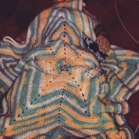5 point star Blanket w/ multicolored yarn