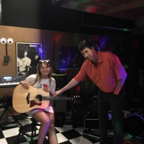 Ava August - Amazing Talent - Talking Guitar, Voice  & Music Technique With Matt.
