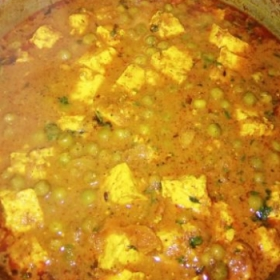 Green peas with indian cheese (matar paneer)
