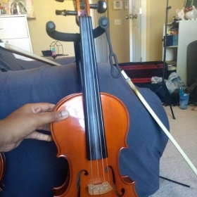 "15"" beginner viola that I would be happy to lend to any student for lessons *Bow, rosin, case, and shoulder rest included*"