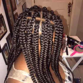 Learn different techniques in neat braiding and the best products to use!