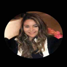 Hi I'm Angelica and I am ready to have fun teaching English to you!
