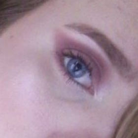 Mauve Monochromatic Eye Look