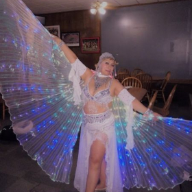 I teach  isis wings techniques for belly dancers.