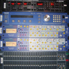 My Mix Rack Moby 2007. TC Delay. Eventide H3000, Focusrite ISA430 Producer Pack. BSS FCS-960 Graphic EQ.