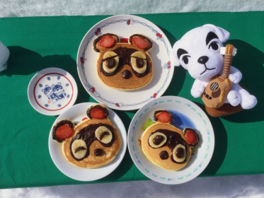 I love animal crossing! I made Tom nook, Timmy and Tommy pancakes 🥞