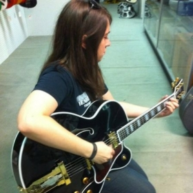 Helping a student pick out a Hollowbody @ Fullers Guitars. Wow... this Gibson was DREAMY.