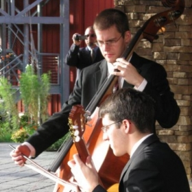 Wolfe duo, classical guitar and upright bass