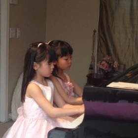 duo piano of 7 year old students