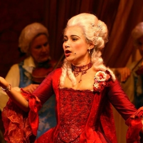 Manon Lescaut West Bay Opera 2005