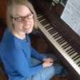 Profile_77623_pi_id-julie-pianoteacher