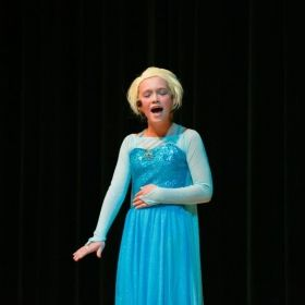Singer Performing Let It Go in the winter 2014 Show!
