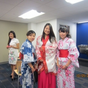 Showing off traditional Chinese clothing-Hanfu.